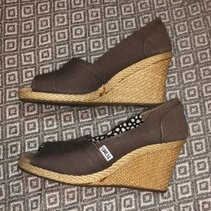 TOMs Wedge shoes in gray canvas